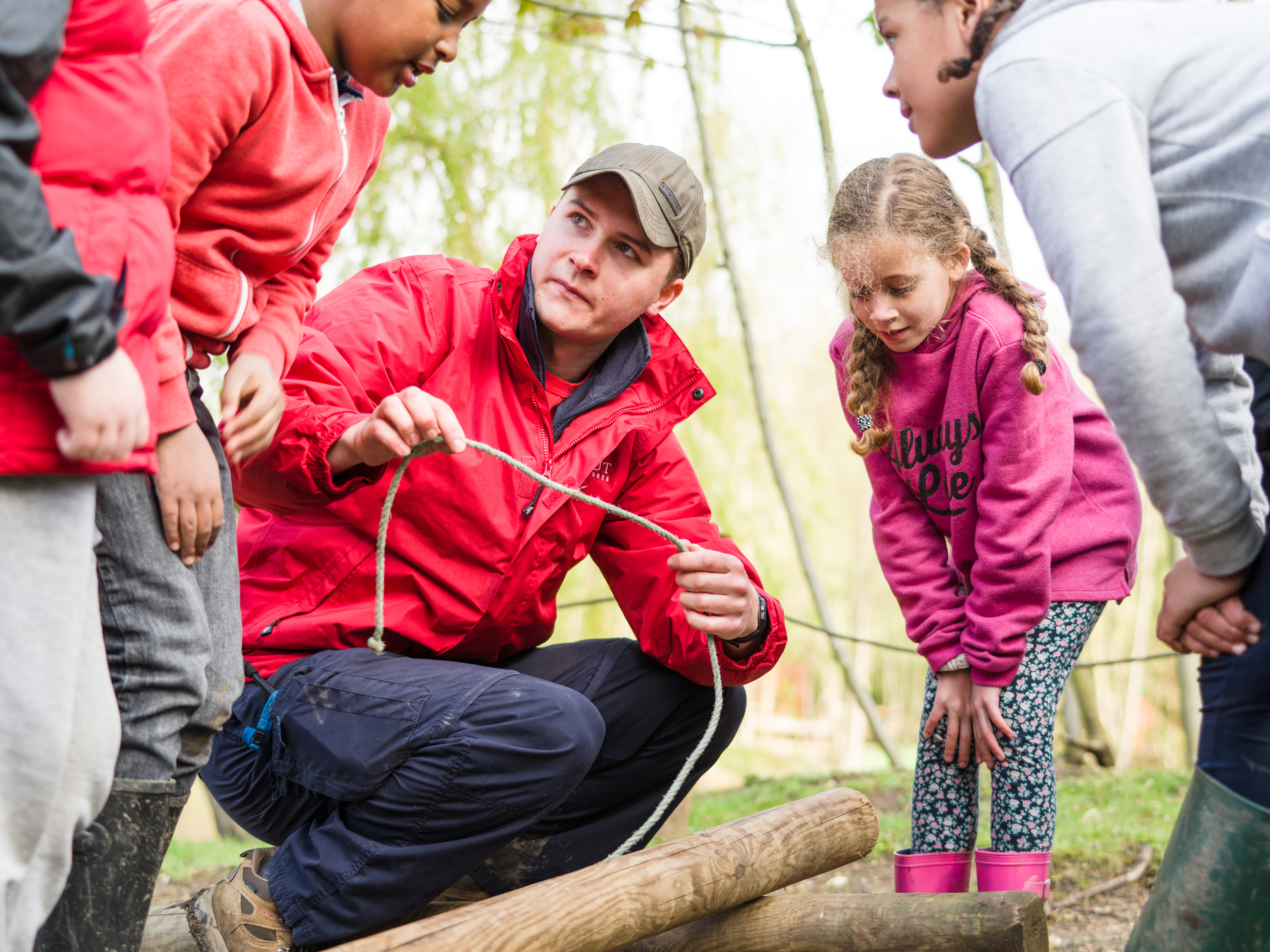 Leader Teaching Knots